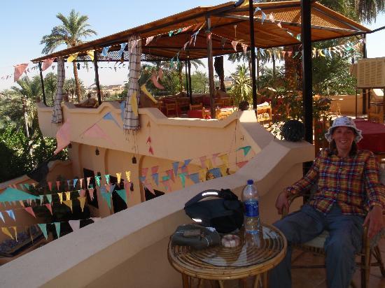 El Nakhil Hotel & Restaurant: roof terrace