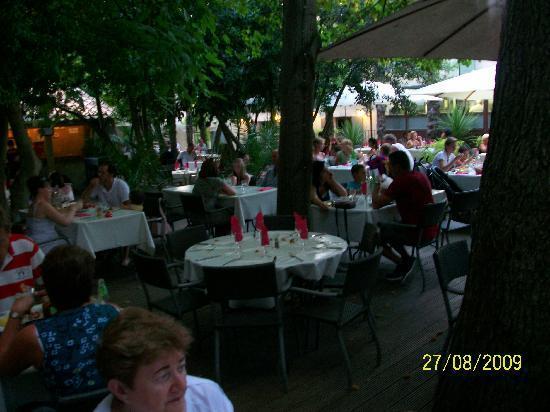 Les Terrasses de la Cite: View of the Garden Restaurant