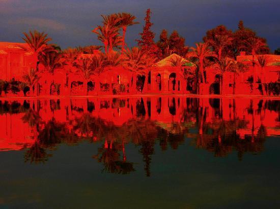 Amanjena: le grand bassin