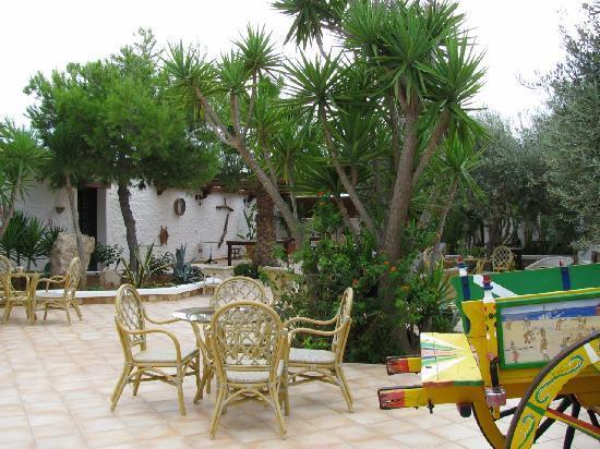 Agriturismo Resort Costa House: patio