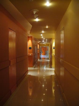 Hard Rock Hotel Bali: very beautiful lighting
