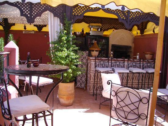Riad d'Airain Marrakech: BAR TERRASSE de faraon9
