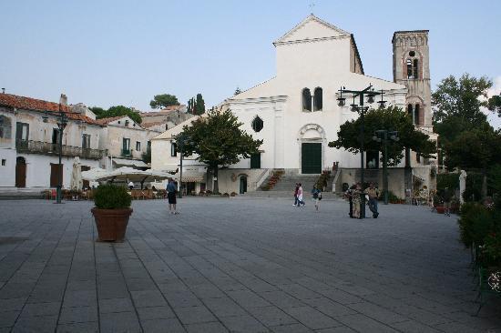 Il Ducato Di Ravello: Ravello :Piazza e Duomo