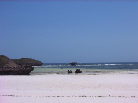 Crystal Bay Resort: Spiaggia e mare