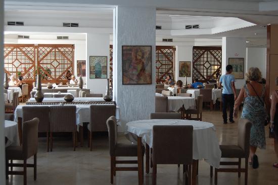 Yadis Hammamet: le restaurant intérieur