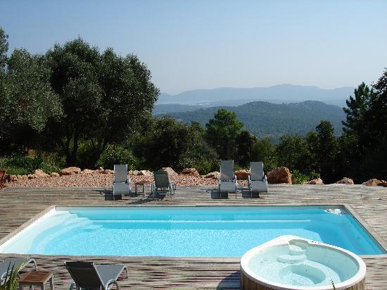 La piscine et balneo picture of les jardins de mathieu for La piscine review