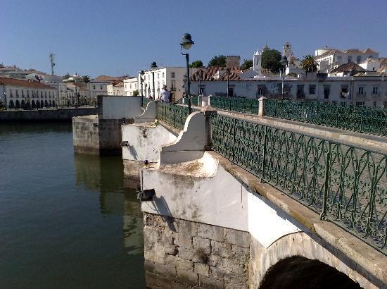 Tavira, Portugal: il ponte romano sul rio Gilao