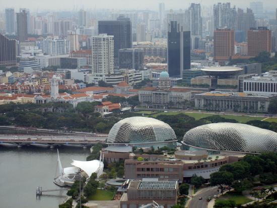 Veduta della città dalla Singapore Flyere
