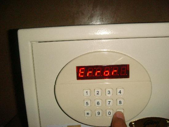 JP Cordial: Safe gives error and your stuffs are in