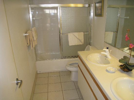 Kahana Villa Resort: Salle de bain