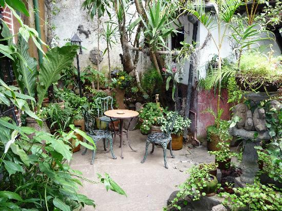 Posada Belen Museo Inn: Outside Courtyard