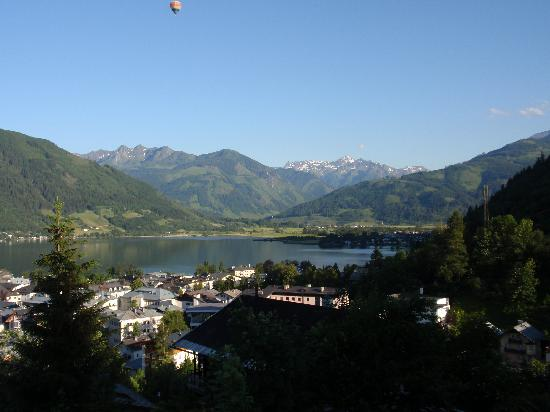 Pension Altenberger : View of Zell am see from the pension
