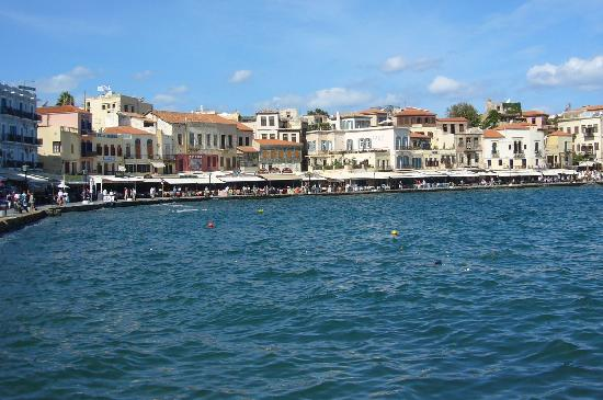 Akrotiri Villas / Artemis Apartments: Chania harbour