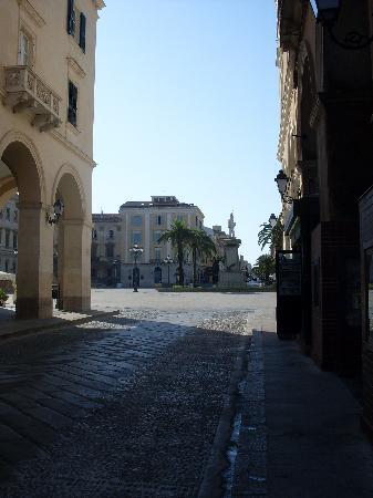 Σάσσαρι, Ιταλία: Portici Piazza d'Italia