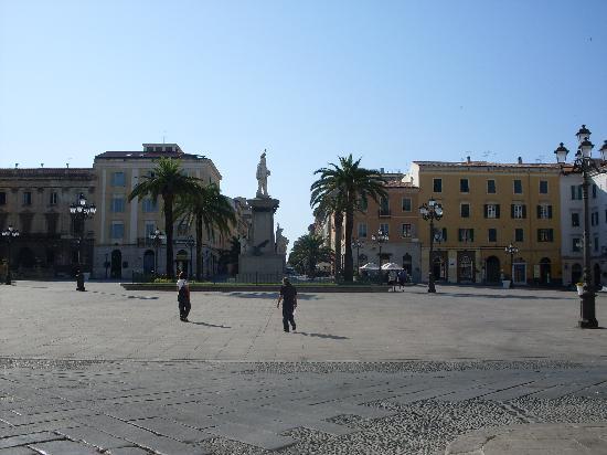 Σάσσαρι, Ιταλία: Piazza d'Italia