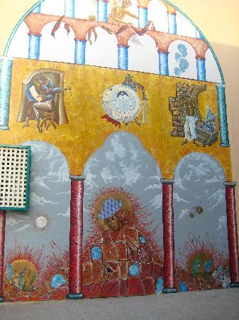 Golden Beach Hotel: Hotel Mural