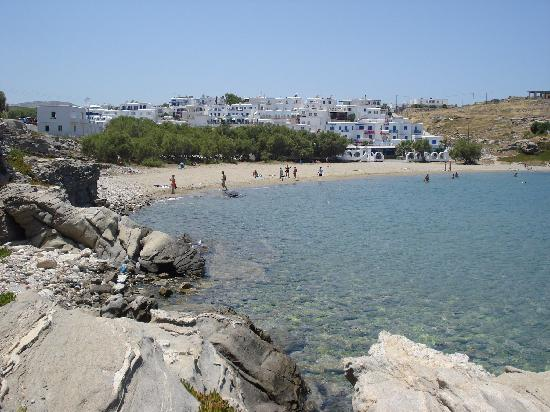 Pension Sofia: Naoussa beach & town are reachable by bus on the island's other end (more lively area of Paros)