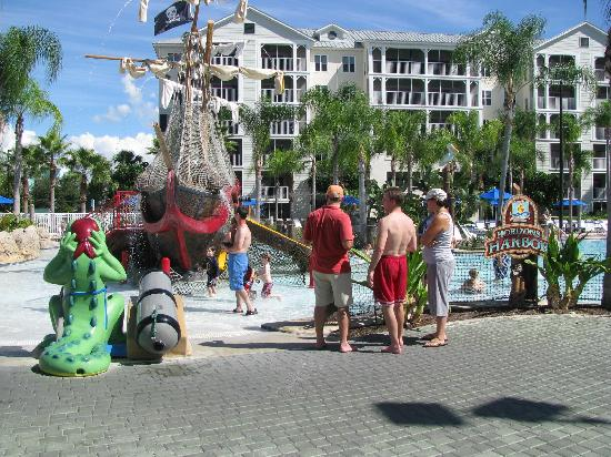 Marriott's Harbour Lake: pirate ship with slides