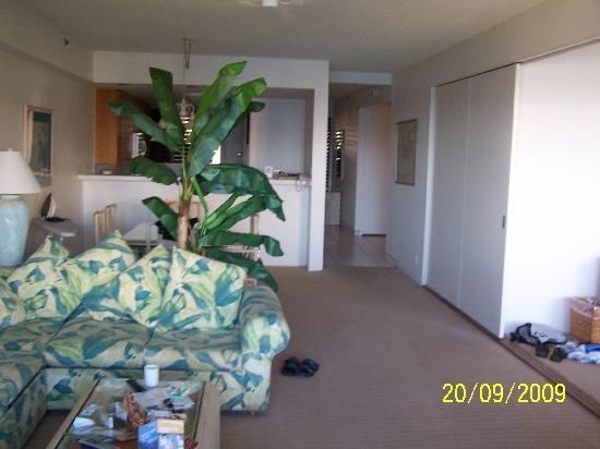 Sands of Kahana: large living room