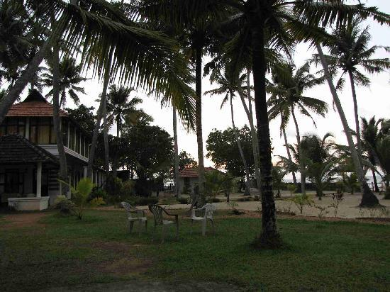 Pozhiyoram Beach Resort: Hotel Photo