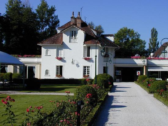 Relais & Chateaux - Hostellerie de Levernois : Das Haupthaus