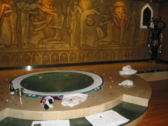 Hotel al-kalat: decoracion jacuzzi