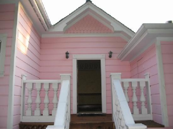 The Pink Mansion: Steps from Deck to Suite