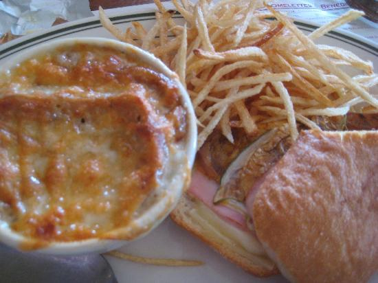 Miramar Bistro: Cuban sandwich with a cup of French onion soup