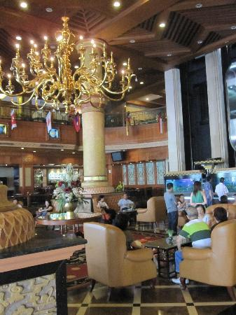 Planet Holiday Hotel : hotel lobby