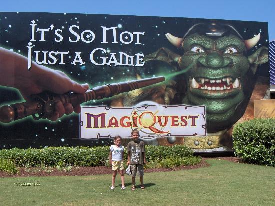 MagiQuest est situé sur Brodway at the beach