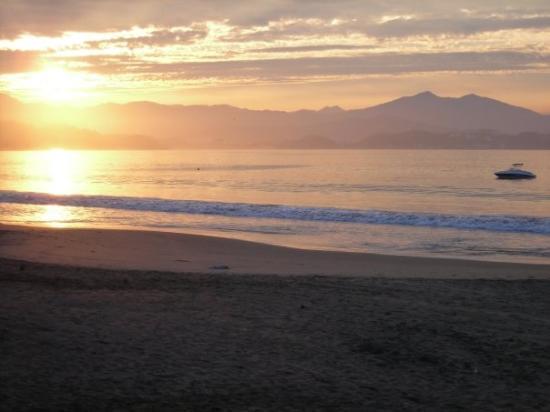 Santiago Peninsula: Manzanillo, Colima