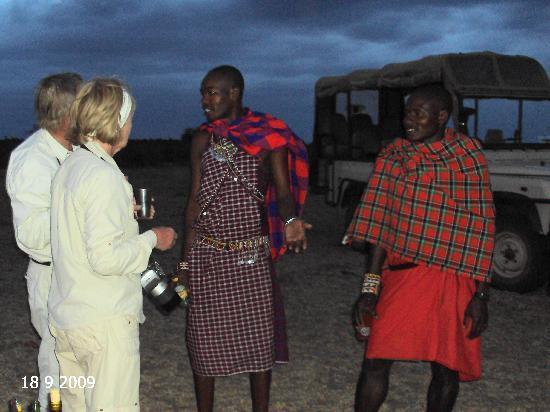 Porini Mara Camp: sundowners with our hosts