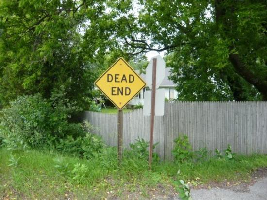 ออกัสตา, เมน: every road in maine leads to nothing