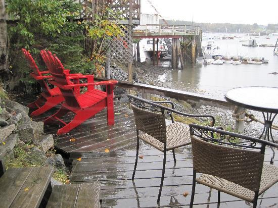 Pier One Vacation Rentals: The deck outside the kitchen