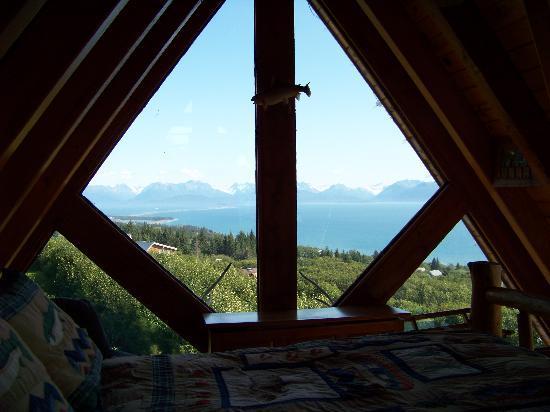 Alaska Adventure Cabins: bedroom view