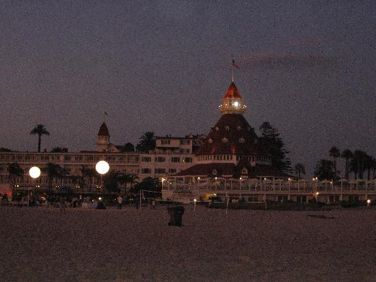 Hotel del Coronado: Just after sunset, view from the beach.