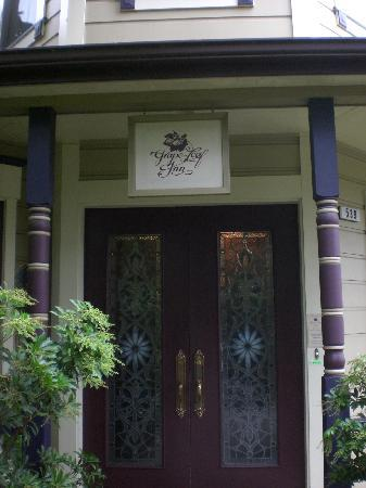 Grape Leaf Inn : Welcoming entrance