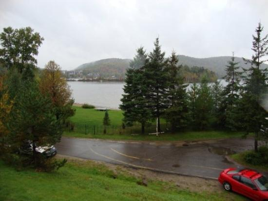 Lac mercier picture of mont tremblant quebec tripadvisor for Lac miroir mont tremblant