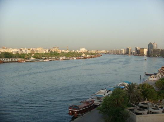 Sheraton Dubai Creek Hotel & Towers: Creek view from my room, SPG 5th floor