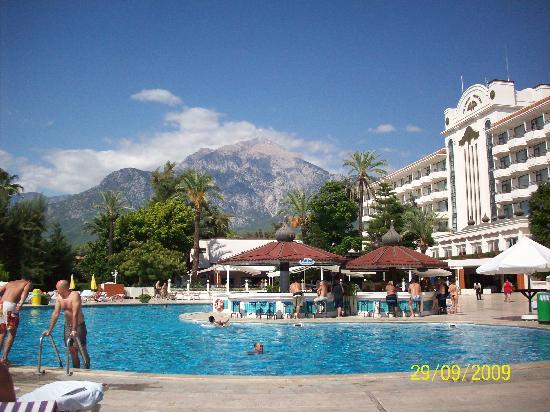 Zen Phaselis Princess Resort & Spa: mountain view from the main pool