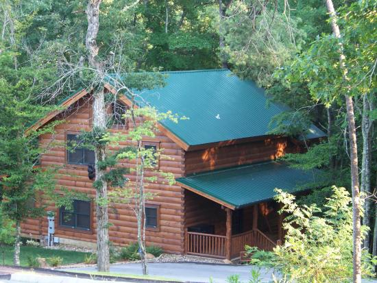 ‪‪Smoky Cove Chalet and Cabin Rentals‬: Bearly Creekside‬