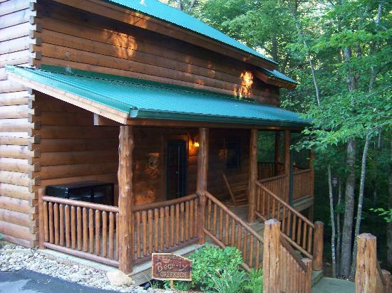 Smoky Cove Chalet and Cabin Rentals: Bearly Creekside Front porch