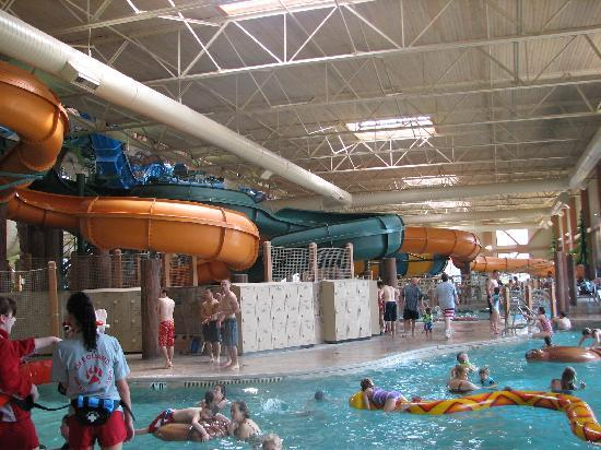 Great Wolf Lodge: Water slides.