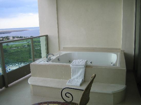 Hot tub on balcony picture of family resort cancun for Balcony hot tub
