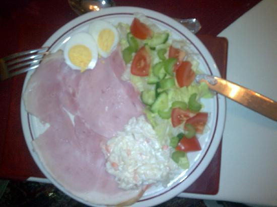 Lynbar Guesthouse: Not just any ham salad... Lionels ham salad!!!