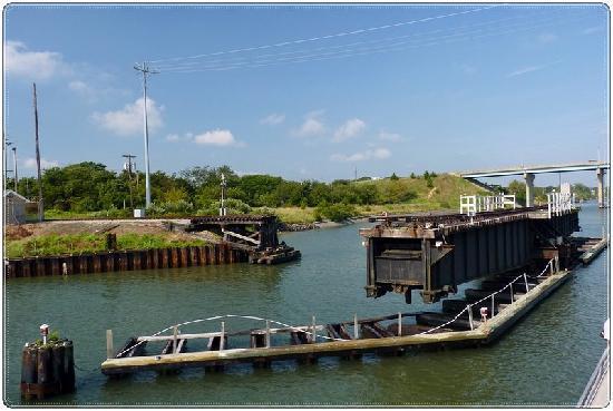 Miss Chris Marina and Kayaks: Rotating railway bridge