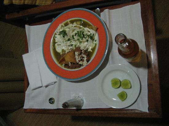 Camino Real Pedregal: Enchiladas room service