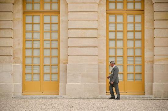 SANDEMANs NEW Europe - Paris LOVE these doors! Chateau de Versailles & LOVE these doors! Chateau de Versailles - Picture of SANDEMANs NEW ...