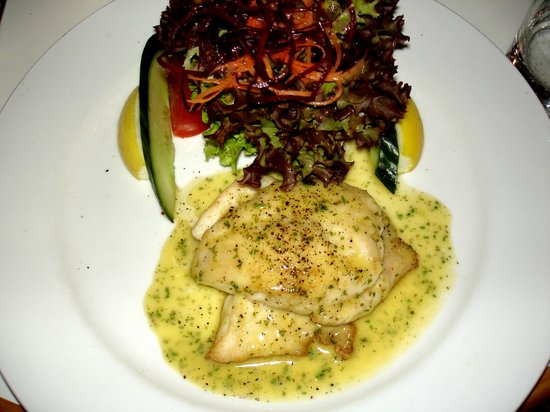 Only Seafood: Friendly service and very tasty Snapper