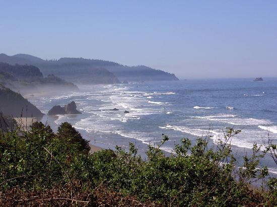 Oregon Coast: View from lookout near Cannon Beach